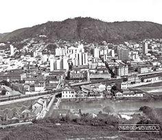 Maria do Resguardo: Vista panorâmica de Juiz de Fora, década de 1960 ou 1970 (foto autoria de Roberto Dornellas).