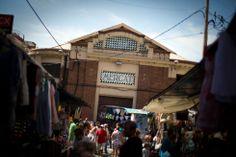 El mercat de Sagarra, en Santa Coloma de Gramenet. / JOAN SÁNCHEZ