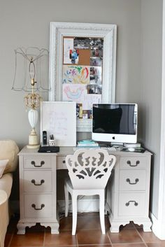 Ok, THIS is the old desk I have, and it actually looks cute here!