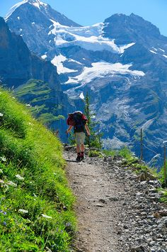 Hiking Trail in the Swiss Mountains with an awesome view! Camping And Hiking, Hiking Trails, Trekking, Adventure Is Out There, Outdoor Life, The Great Outdoors, Kayaking, Places To See, Beautiful Places