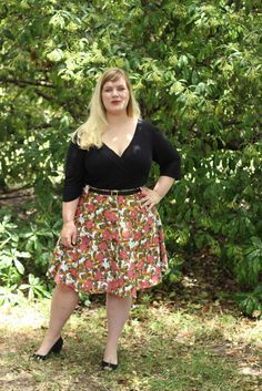 Idle Fancy: Jennifer Lauren Vintage Cressida Skirt in Poppy Print Cotton Pique