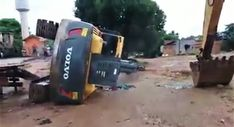 VIDEO of the Week: Excavator plunges from trailer after operator goes with the 'ol back up maneuver Free Baby Shower Invitations, Baby Shower Invitation Wording, Construction For Kids, Commercial Construction, Construction Birthday Invitations, Construction Branding, Small Sheds, Den Ideas, Bungalow Homes