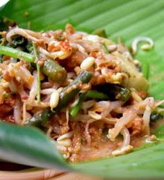 mix of steam vegetable served with peanut sauce Vegetarian Recipes, Cooking Recipes, Healthy Recipes, Gado Gado Recipe, Indonesian Food, Indonesian Recipes, Wheat Free Recipes, Steamed Vegetables, Asian Recipes