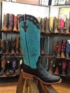 Rios of Mercedes from Davis Boots. Cowboy Love, Sexy Cowgirl, Cowgirl Chic, Cowboy Boots Women, Cowgirl Style, Cowgirl Boots, Cowboy Hats, Country Girls, Country Style