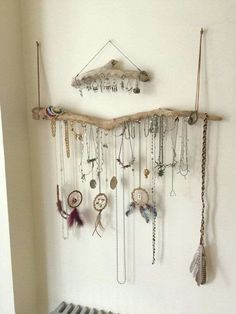 Cool jewelry displays hanging necklaces necklace display and display 38 magical hangers from driftwood driftwood jewelry display solutioingenieria Images