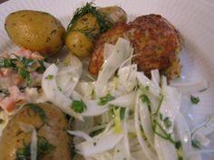 Fiskefrikadeller med fennikelsalat og remoulade