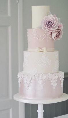 Wedding Cake Inspiration - Cotton & Crumbs - MODwedding Featured wedding cake: cotton and crumbs; Floral Wedding Cakes, Cool Wedding Cakes, Elegant Wedding Cakes, Beautiful Wedding Cakes, Wedding Cake Designs, Beautiful Cakes, Disney Wedding Cakes, White Wedding Cakes, Elegant Cakes