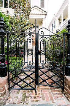 Love the gates would love something likes these if I ever get my courtyard