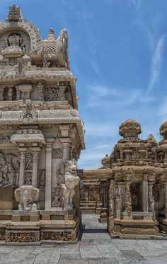 Kanchi Kailasanathar Temple, Tamil Nadu, India. Photo by Jimbos Padros.