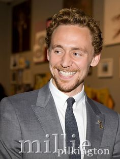 Tom Hiddleston at The Royal Arts Academy Celebration. London, May 2012. Source: https://www.facebook.com/milliepilkingtonphotography/photos/a.379385295442219.81758.298974230149993/379398678774214/?type=3&theater Via @Hiddles_Page