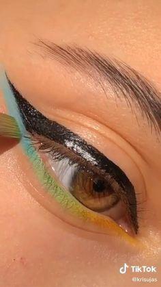 Indie Makeup, Edgy Makeup, Makeup Eye Looks, Eye Makeup Art, Makeup Tutorial Eyeliner, Makeup Looks Tutorial, No Eyeliner Makeup, Skin Makeup, Creative Eye Makeup