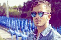 Mirrored Sunglasses, Mens Sunglasses, Singers, Cold, Portrait, Men's Sunglasses