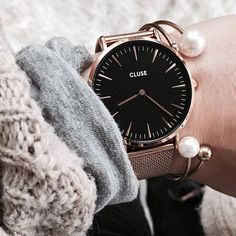 Monday is here! Cosy up with a beautiful knit that will keep you both warm and stylish ☕️ #CLUSE | joleenaknows