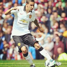 Angel Di Maria looks great in United jersey !!