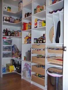 I like the sliding drawers for cans.