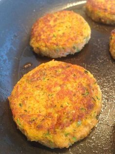 Sweet potato patties – The most beautiful recipes Cooking Chef, Healthy Cooking, Cooking Time, Cooking Recipes, Sweet Potato Patties, Sweet Potato Pancakes, Vegetable Recipes, Vegetarian Recipes, Healthy Recipes
