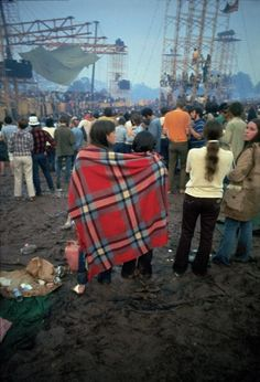 "insidemycrazyarms: "" love-tastes-like-lemon-juice: "" opium-eyes: "" planetaryeuphoria: "" danielleraeee: "" Woodstock, oh my god…. "" The things i would do to be there "" the things I would do to. Woodstock Hippies, Woodstock Music, Woodstock Festival, 1969 Woodstock, Woodstock Photos, Rock N Roll, Beatles, Hippie Love, Hippie Chic"