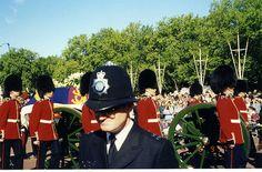Photos of Princess Diana's funeral | Princess Diana's Funeral Procession - 6 September 1997 - London ...