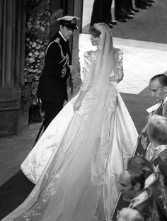 Ravishing the Royals:  The new Duke and Duchess of York leaving Westminster Abbey, 1986