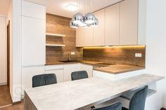 Realizácia 3i. bytu v projekte Malé Krasňany. Byt je navrhnutý v príjemných zemitých farbách, navodzuje hotelový štýl.Kuchynská linka priamo…