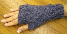 Ravelry: Easy Fingerless Mitts pattern by Maggie Smith
