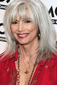 Emmylou Harris is a popular American singer and writer. have a look at Emmylou Harris Hairstyle 2017 Hair Color photos pictures images with hair color Long Silver Hair, Long Gray Hair, Short Hair With Layers, Layered Hair, Medium Hair Styles, Curly Hair Styles, Blond, Grey Hair Over 50, Hairstyles With Bangs