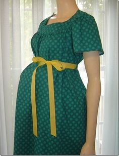maternity hospital gown pattern and tutorial Maternity Sewing, Maternity Nursing, Maternity Wear, Maternity Fashion, Nursing Gown, Casual Maternity, Maternity Dresses, Diy Clothing, Sewing Clothes