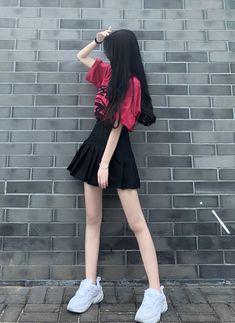 Korean Fashion Dress, Kpop Fashion Outfits, Girls Fashion Clothes, Cute Fashion, Girl Outfits, Cute Outfits, Teen Girl Photography, Fashion Photography Poses, Skinny Girl Body