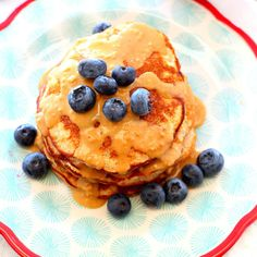 These gluten-free Peanut Flour Pancakes not only have a fabulous texture and flavor, they're also super light, yet satisfying and packed with protein. Peanut Sauce Stir Fry, Vegan Peanut Sauce, Peanut Butter Mousse, Peanut Butter Desserts, Healthy Peanut Butter, Flour Recipes, Recipes With Peanut Flour, Rice Recipes, Diabetic Recipes