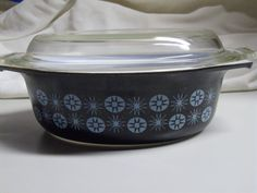 Pyrex Vintage 1950s Starburst Black Blue Atomic Oval Casserole Dish Lid RARE 50s #Pyrex - Sold on Ebay for $1,059.34