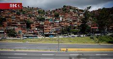 Os Estados Unidos estão com o povo venezuelano e apoiam os seus esforços para resolver a crise económica, política e humanitária que o país enfrenta, divulgou esta sexta-feira, em comunicado, o Departamento de Estado norte-americano. http://sicnoticias.sapo.pt/mundo/2017-12-15-EUA-dizem-estar-ao-lado-do-povo-venezuelano-e-oferecem-ajuda-humanitaria