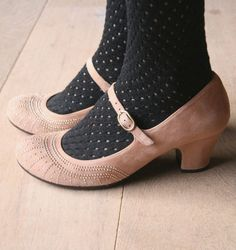 Insomnia Peach Shoes by Chie Mihara