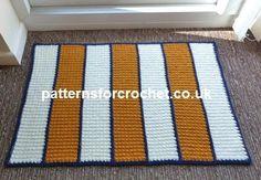 Free PDF crochet pattern for door rug. (ad) #patternsforcrochet