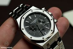 By now it should be no secret anymore that Audemars Piguet revamped the Royal Oak collection and I've already shared my enthusiasm about the Royal Oak Jumbo. Another one that, in my humble opinion, looks absolutely superb, is the new Royal Oak Chronograph.   The new Royal Oak Chronograph is 2 mm larger than its predecessor, that measured 39 mm in diameter. While I usually cheer for downsizing, I was amazed to feel how incredibly comfortable the RO Chrono is and how perfect the fit is.