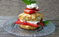 Canadian Strawberry Shortcake: traditional crumbly, slightly sweet rich butter biscuit: fresh berries, heavy cream and this humble biscuit. O, Canada! Cake Recipes, Dessert Recipes, Bread Recipes, Shortcake Biscuits, Cake Story, Baking Buns, Canadian Food, Canadian Recipes, Thing 1