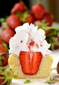 Strawberry Shortcake Cupcakes ~ famous strawberry cake in form of delicious cupcakes.
