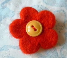 cute red flower brooch tutorial - 101craftideas.com
