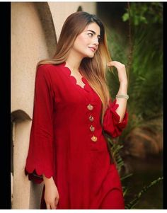 Stylish Dresses For Girls, Stylish Dress Designs, Simple Dresses, Casual Dresses, Winter Dresses, Simple Pakistani Dresses, Pakistani Fashion Casual, Pakistani Dress Design, Kurti Designs Pakistani