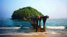 Keindahan pantai jembatan panjang yang sayang untuk dilewatkan
