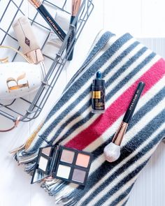 If you've not checked out my latest blog post all about @thebodyshop Drops of Sun you should - link in Bio ! In this picture: @thebodyshop honey bronze drops & eyeshadow palette . @spectrumcollections brushes  . @ctilburymakeup foundation . @paulsmithdesign scarf . . . #TheBodyShop #makeupporn #spectrum #spectrumcollections #charlottetilbury #tagyourtilbury #gold #rosegold #paulsmith #makeup #makeupflatlay #flatlay #makeupbrushes #beauty #instamakeup #instabeauty #bblogger #dropsofsun…