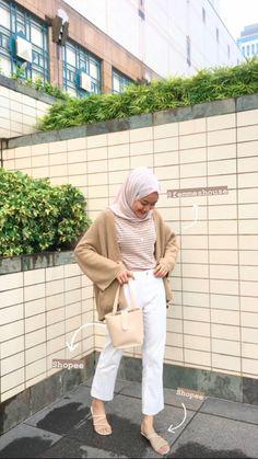 Modern Hijab Fashion, Street Hijab Fashion, Korean Girl Fashion, Hijab Fashion Inspiration, Muslim Fashion, Mode Inspiration, Casual Hijab Outfit, Casual Outfits, Ootd Hijab