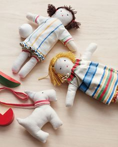 Don't forget to make a companion for the dolls -- a sweet little dog.
