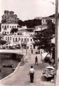 Batsi, Andros island in the Greece Pictures, Old Pictures, Old Photos, Vintage Photos, Andros Greece, Athens Greece, Greece History, Go Greek, Ancient Greece