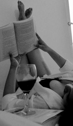A good wine and a good book = heaven. @cinderella83