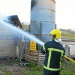 #Lamballe 100 porcs périssent dans un bâtiment délevage  http://www.letelegramme.fr/cotes-darmor/lamballe/lamballe-100-porc-perissent-dans-un-batiment-d-elevage-05-01-2017-11353061.phppic.twitter.com/iLQAUUbbBc
