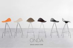 The STUA Onda stool catalogue is here: www.stua.com/pdf/products/stua-onda.pdf  All the STUA catalogues are here: www.stua.com/eng/coleccion/catalogue.html