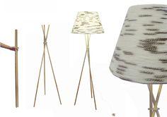 Luminaria realizada en lana y madera. De inspiración Escandinava. Con el diseño se hace referencia a las tradiciones, a lo hogareño, a tiempos pasados. La combinación de los materiales crean cierta armonía en el diseño general, creando un vinculo emocional con el usuario, de esta manera la relación con el objeto perdurara en el tiempo, dándole mayor vida al producto. El soporte de la luminaria es un trípode de madera, que el sistema permite al usuario su fácil montaje.