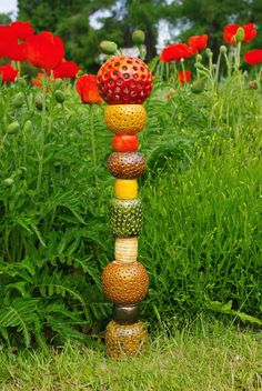 art-totem Snella N. ceramic,glazes | Pole art, Totem pole ... #ceramic #ceramicsculpture Ceramic Sculpture Figurative, Abstract Sculpture, Sculpture Art, Pottery Patterns, Pottery Designs, Totem Pole Art, Totem Poles, Garden Totems, Garden Art