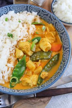 Pineapple Curry, Pineapple Chicken, Thai Red Curry, Carrots, Avocado, Health Fitness, Food And Drink, Cooking, Ethnic Recipes