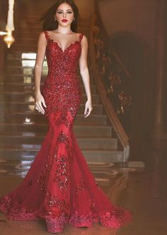 2016 Elegant Mermaid Crytal Prom Dresses Sheer Illusion Back Court Train Evening Gowns